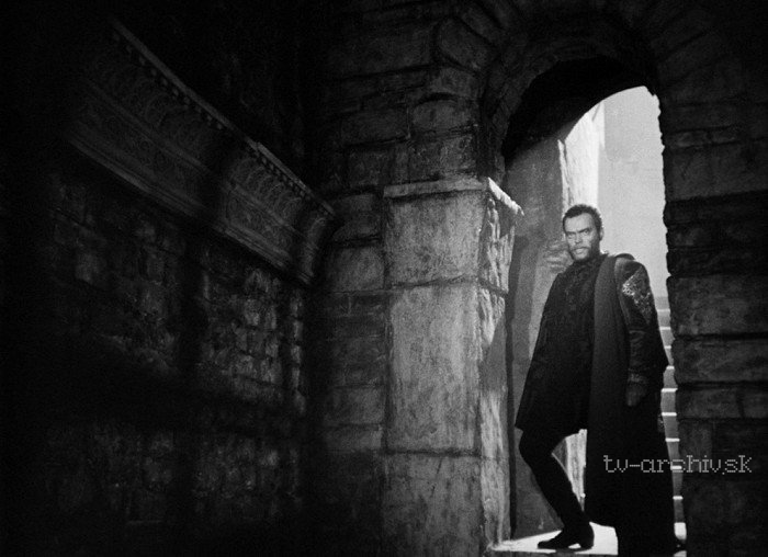 orson welles in othello and citizen In 1998, the american film institute put citizen kane at the top of its list of the one hundred greatest movies of all time released in 1941, it was the first movie orson welles co-wrote, directed, and produced.
