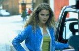Lucy McLoughlin (Keri Russell)