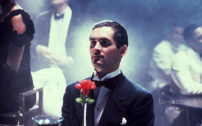 Agatha Christie: Poirot: Dobrodružstvo lacného bytu (1990)