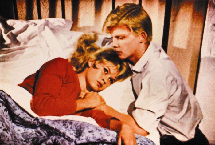 ...a Boh stvoril ženu (1956)