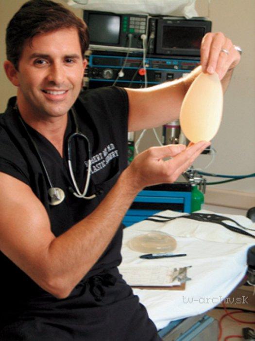 Plastický chirurg z Beverly Hills