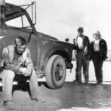 Clark Gable (Gay Langland), Marilyn Monroe (Roslyn Taber), Eli Wallach (Guido)