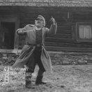 Viliam Polónyi (pastier Maťo) Pred domom stojí Viliam Polónyi (pastier Maťo)