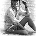 Bo Derek (Jenny Hanley)