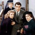 Cary Grant (Mortimer Brewster), Josephine Hull (Abby Brewster), Jean Adair (Martha Brewster), Priscilla Lane (Elaine Harper)