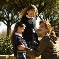Shyann McClure (Megan Hanson), Courtney Taylor Burness (Bridgette Hanson), Sandra Bullock (Linda Hanson)