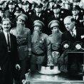 Groucho Marx (Otis B. Driftwood), Mike Donovan (Policeman), Harry Fleischmann (Policeman), Eddie Hart, Martin Cichy (Policeman), Chico Marx (Fiorello), Harpo Marx (Tomasso), Robert Emmett O'Connor