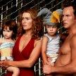 Kate Winslet (Sarah Pierce), Patrick Wilson (Brad Adamson), Ty Simpkins (Aaron Adamson), Sadie Goldstein (Lucy Pierce)