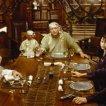Marlon Brando (Dr. Moreau), Fairuza Balk (Aissa), Val Kilmer (Montgomery), David Thewlis (Edward Douglas), Nelson de la Rosa (Majai), Temuera Morrison (Azazello)