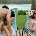 Courteney Cox (Jules Cobb), Christa Miller (Ellie Torres)