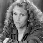 Frances McDormand (Julie Hastings)