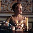 Glenn Close (Marquise de Merteuil)
