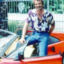 Tom Selleck (Magnum)
