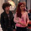 Ariana Grande (Cat Valentine), Cameron Ocasio (Dice)