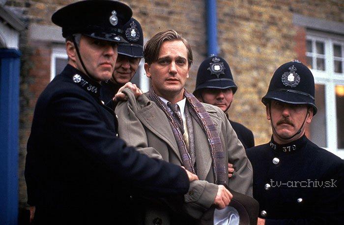 Agatha Christie: Poirot: Krádež šperkov v hoteli Grand Metropolitan (1993)