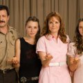 Judd Nelson (Donald Maroni), Zoey Deutch (Lana Maroni), Madelyn Deutch (Anita Maroni), Lea Thompson (Mary Maroni)