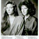 Theresa Russell (Catharine), Debra Winger (Alexandra)