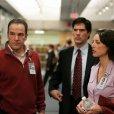 Mandy Patinkin (Jason Gideon), Thomas Gibson (Aaron Hotchner), Lola Glaudini (Elle Greenaway)