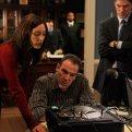 Lola Glaudini (Elle Greenaway), Mandy Patinkin (Jason Gideon), Thomas Gibson (Aaron Hotchner)