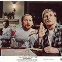 Ken Howard (Arthur), Robert Moore (Warren)