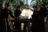 Za nepriateľskou líniou (1997)