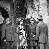Josef Hlinomaz (kapitán Lacoste), Magda Vášáryová (Angelika, dívka z Valencie), František Filipovský (plukovník Picard)